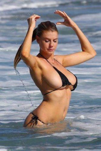 bikini_heaven_45.jpg